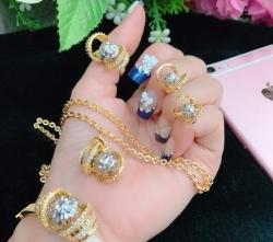 Chọn mua trang sức mạ vàng 24k chất lượng giá tốt