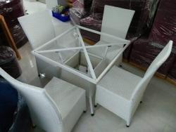 Tư vấn giá bán bàn ghế nhựa giả mây ngoài trời tại TPHCM
