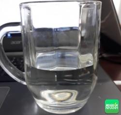 Vì sao uống nước đun sôi để nguộn lâu ngày lại gây ung thư?